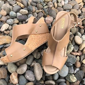 Kenneth Cole Reaction cork wedge sandal natural 8M